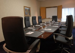 Boardroom in Montreal | BEST WESTERN 410