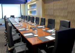 Boardroom in Montreal | BEST WESTERN 414